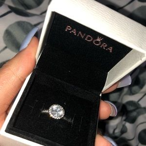 PANDORA💍✨round sparkle halo ring